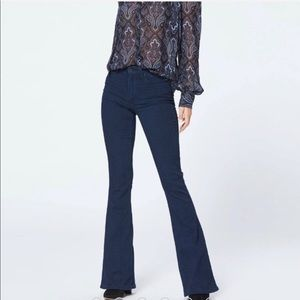 🎁NWT Paige flare bell  jeans high rise stretch🎁